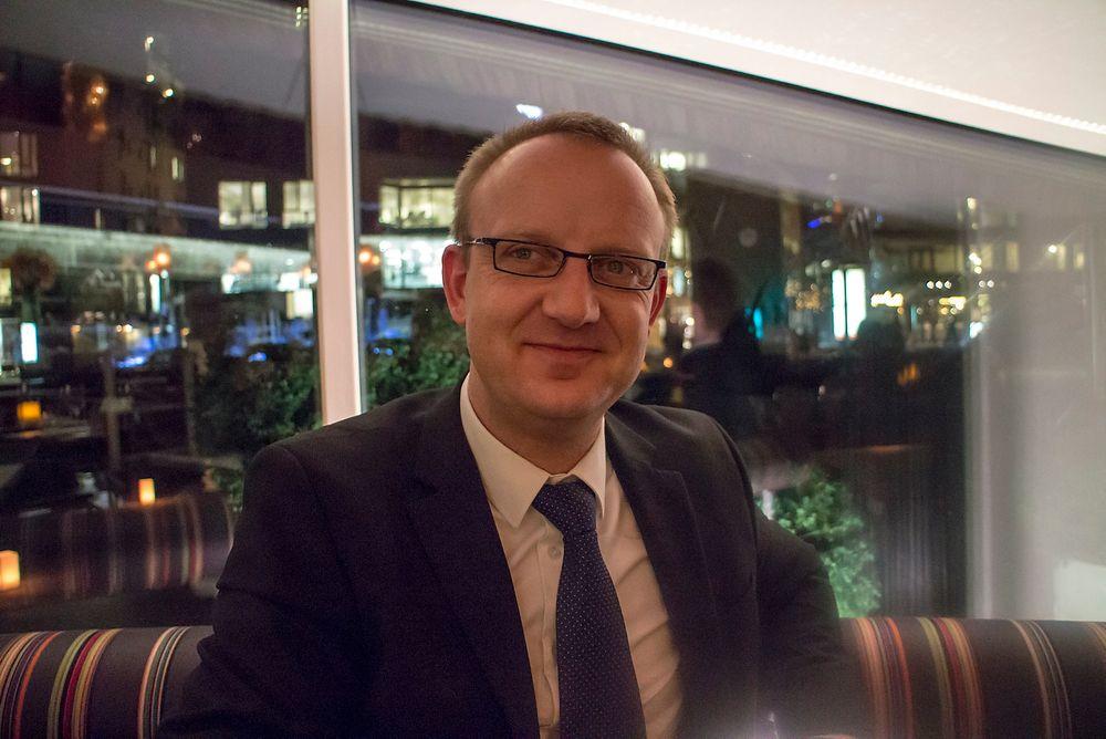 Huaweis europeiske sikkerhetsansvarlige, Ulf Feger, tror ikke ett selskap klarer å sikre nettverkene. Aktørene i industrien må gå sammen, enten de konkurrerer eller ikke.