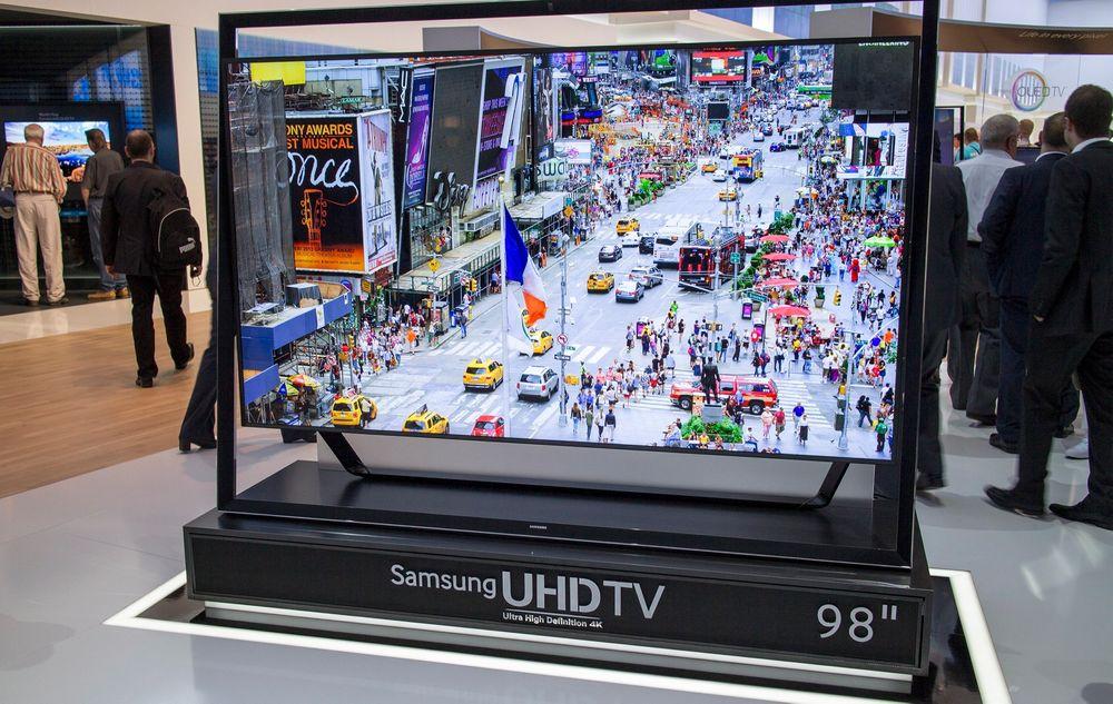 For de store stuene og tykke lommebøkene: Samsungs nye 98 tommer 4K-TV legger seg mellom deres allerede lanserte 85 og 110 tommer.
