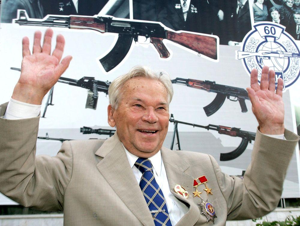 Mikhail Kalasjnikov døde mandag, 94 år gammel, opplyser presidenten i republikken Udmurt. FOTO: REUTERS