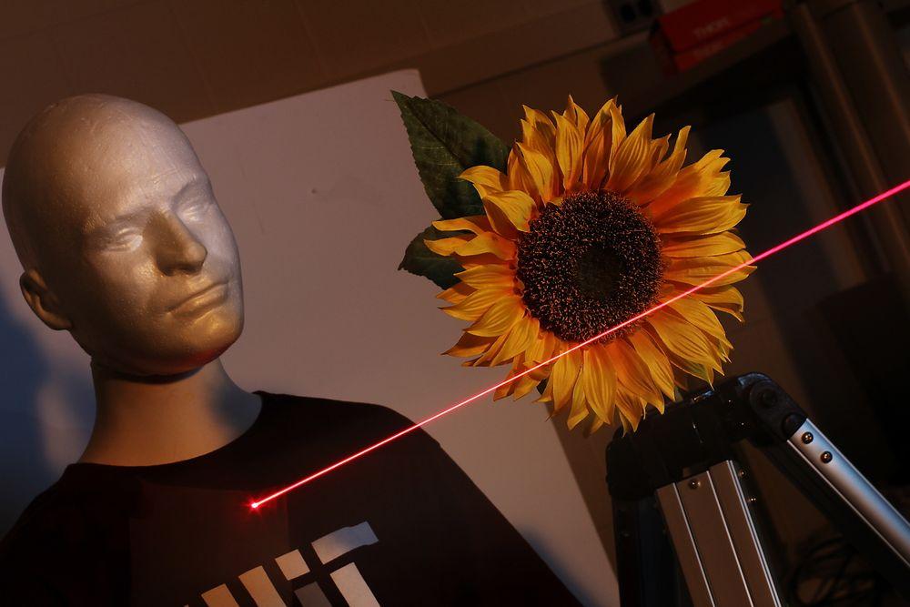 Teknikken kan brukes til å studere biologisk materiale uten å skade vevet med for mye lys, eller som usynlige spionkameraer.