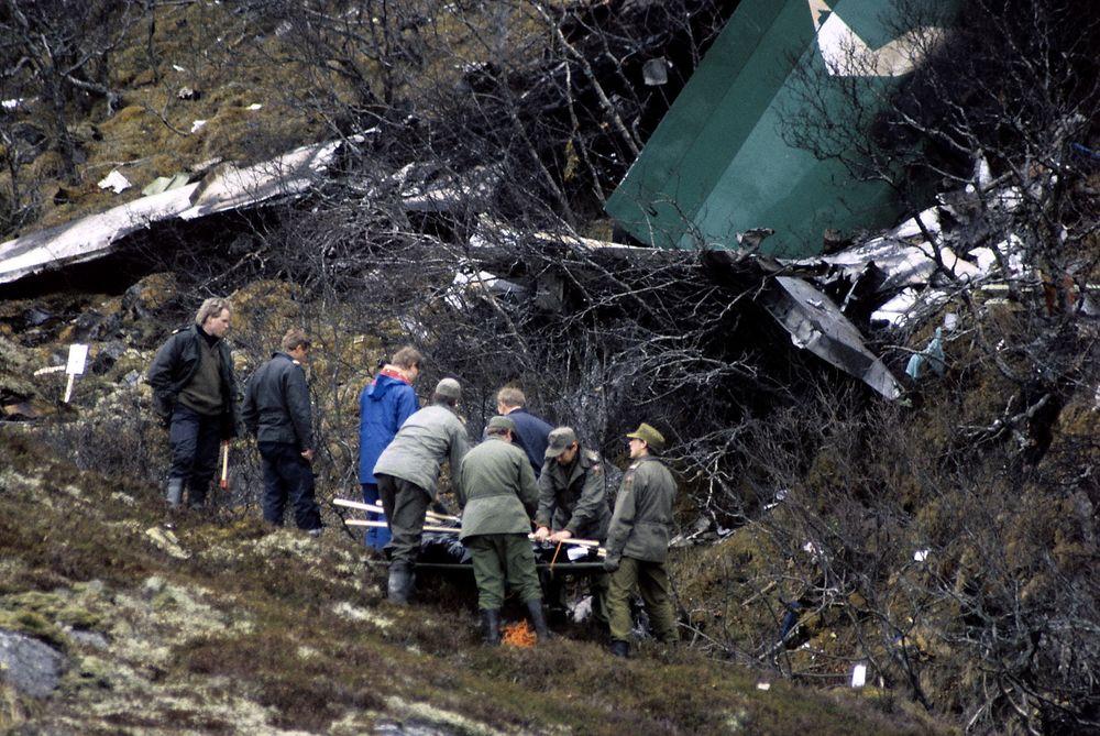 Alle 33 passasjerene og de tre besetningsmedlemmene omkom da Dash 7-flyet fra Widerøe kolliderte med Torghatten ved Brønnøysund.
