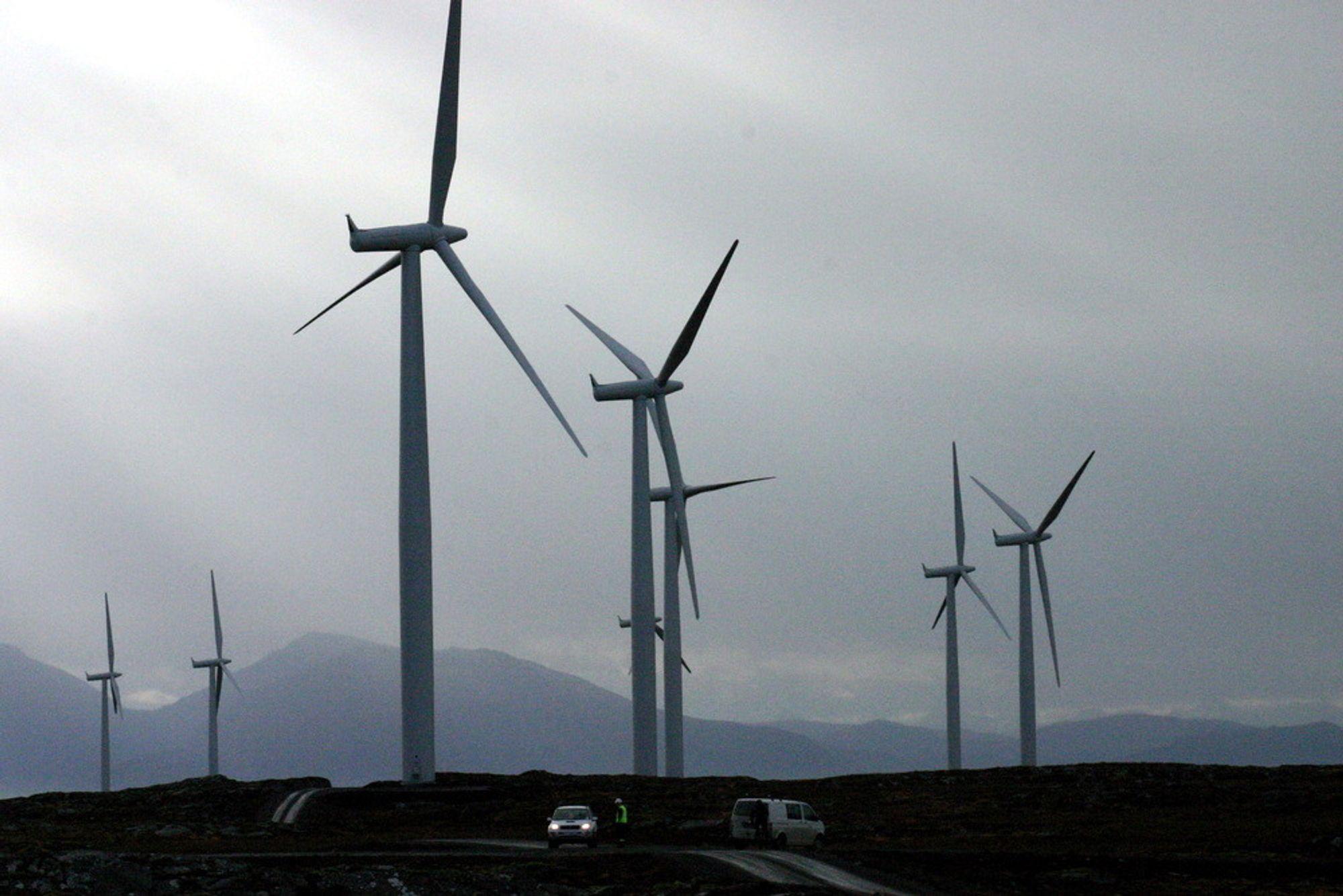 Statnett er ikke bekymret, men kan heller ikke garantere for at 3,5 TWh vindkraft i Trøndelag får kraftlinjer i tide til å få elsertifikater. (Illustrasjonsfoto: Kjell Herskedal)