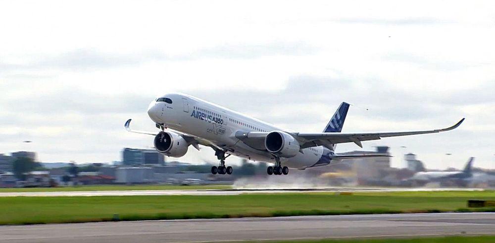 Her tar A350 XWB MSN-001 av for første gang. Nøyaktig klokka 10.00 fredag 14. juni. Nå har SAS bestilt åtte slike fly.