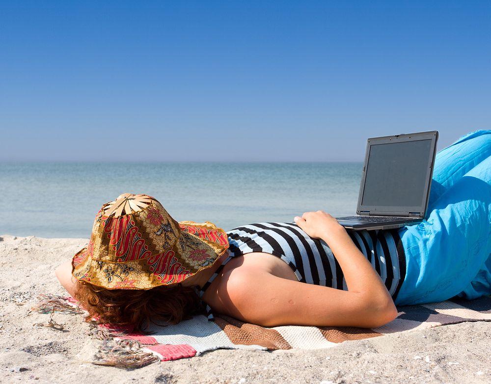 DYRT: Hvis du lar datasikkerheten innta samme modus som deg i ferien, kan det bli kostbart.
