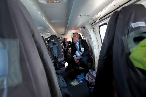 Frode Østnes er direktør i Kjell A. Østnes AS som representerer Eurocopter i Norge. Her ombord i et EC225 Super Puma, den sivile versjonen av helikoptertypen Eurocopter tilbyr den norske redningstjenesten.