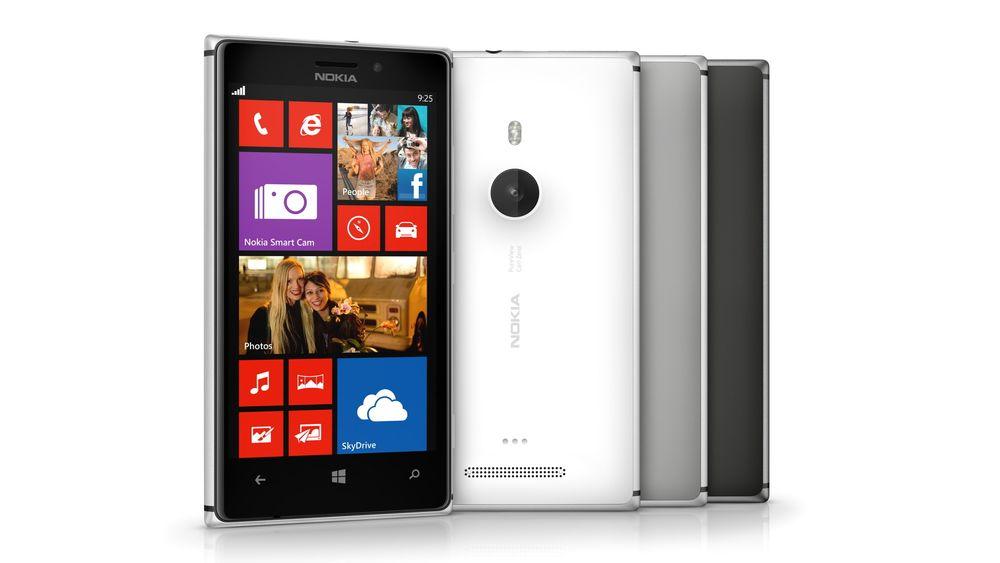 Nokia Lumia 925 har fått vekten slanket med rundt en fjerdedel fra Lumia 920, og er også blitt et par millimeter tynnere.