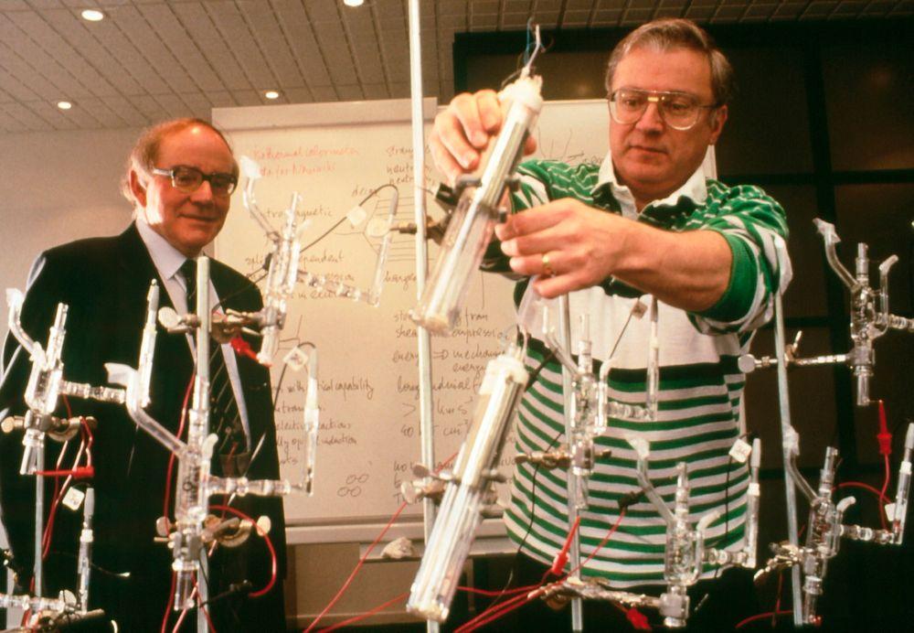 Martin Fleischmann og Stanley Pons skapte storm da de påstod å ha oppdaget kald fusjon i 1989.
