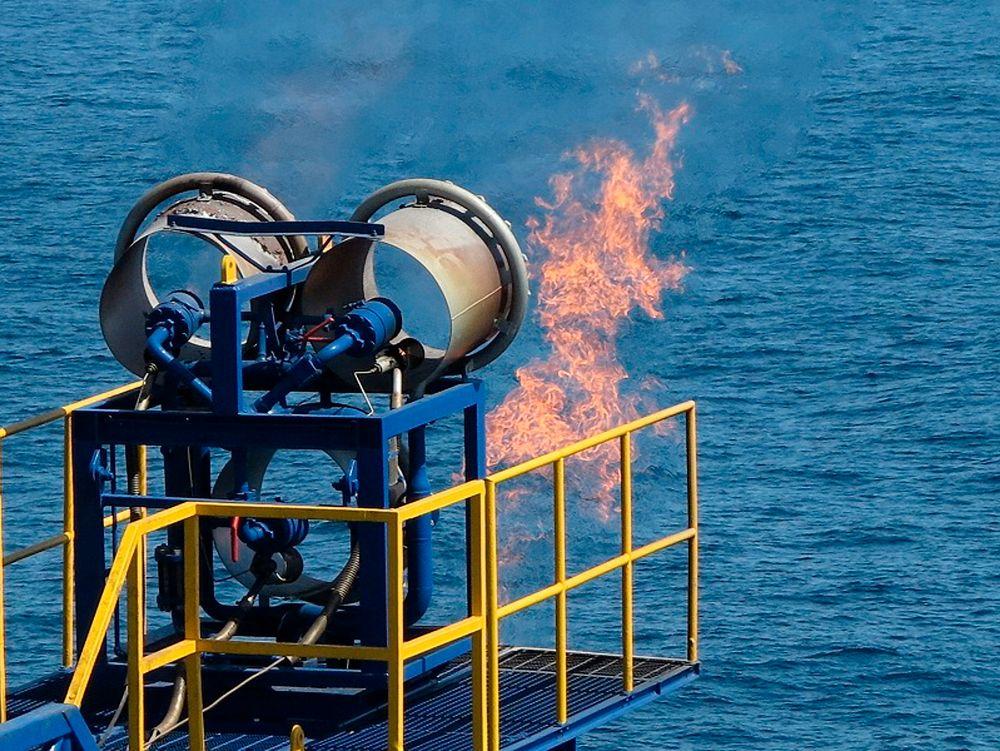 Fakling: Statoil vil redusere fakling av naturgass, både fordi det er dårlig for klimaet, og fordi det er bortkastet bruk av energi. Foto: Reuters