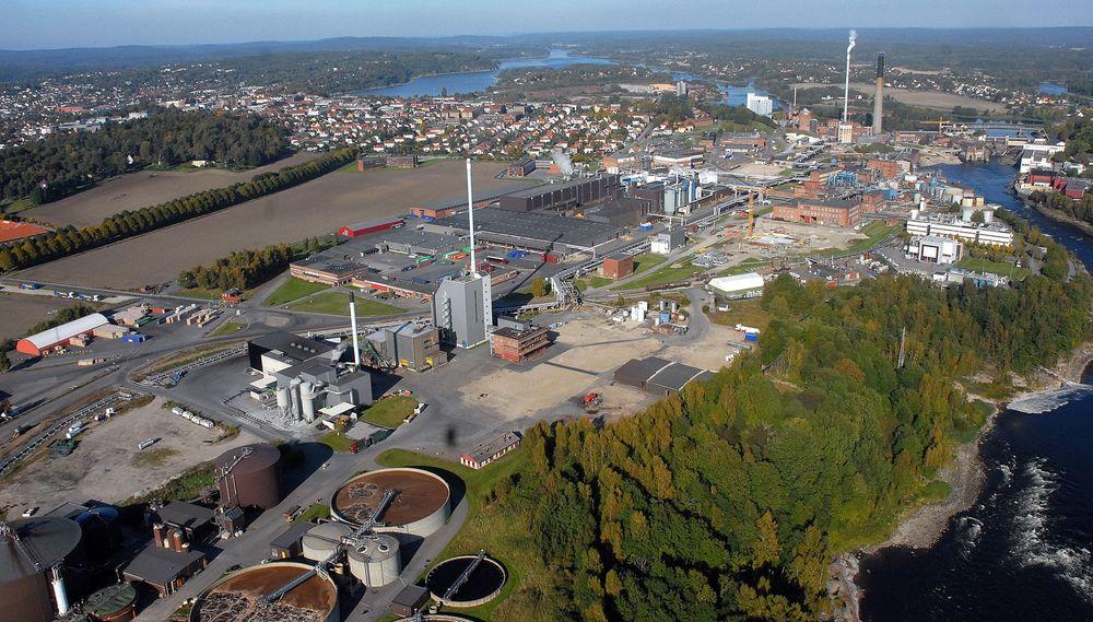 SARPSBORG: Største fabrikk og hovedkontor for Borregaard ligger i Sarpsborg. Der er også Biorefinery Demo bygget opp. Foto: Borregaard
