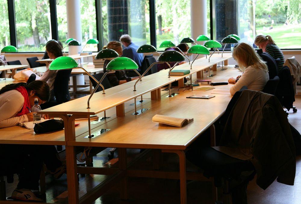 Flere av studentene ved USAs prestisjeuniversiteter velger å jobbe med teknologi enn tidligere.