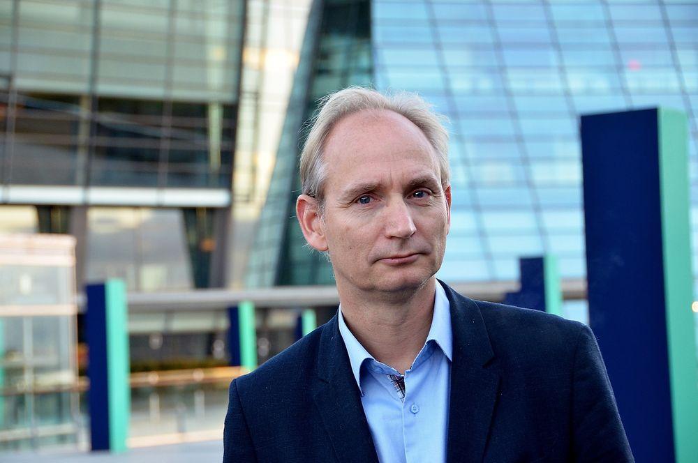 Divisjonsdirektør Harald Krohg hos Telenor mener millionregningen bygger på at ekomloven har fått tilbakevirkende kraft.