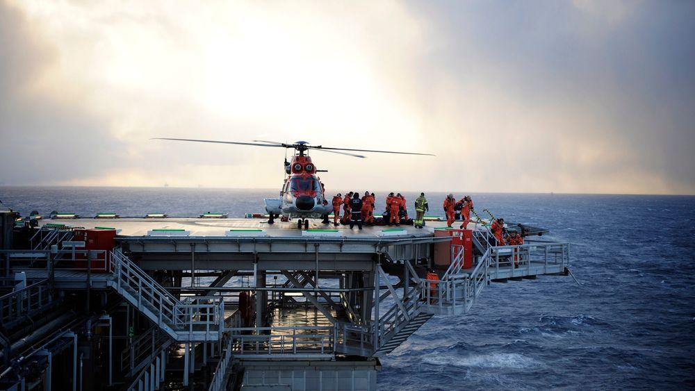 Britiske luftfartsmyndigheter varsler strengere krav til helikopteroperasjoner offshore. Foreløpig er det uvisst om det kommer endringer også på norsk side i Nordsjøen.