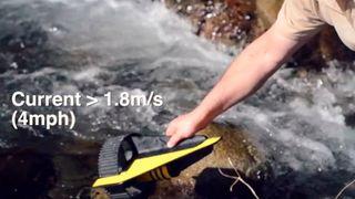 Bærbar vannturbin lader batteriene