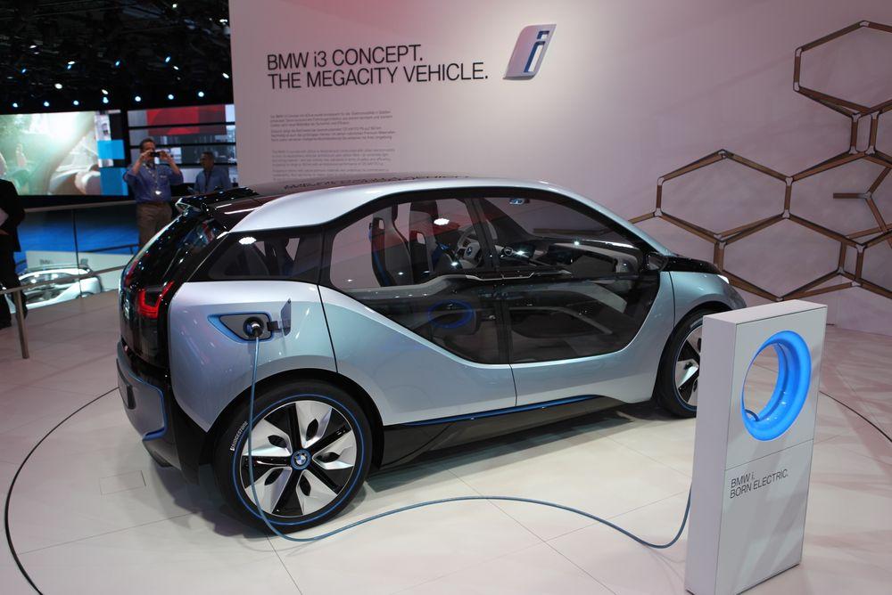 BMWs i3 er blant de nyeste elbilene ut på markedet. Skal vi tro en rapport fra Volvo, Thema Consulting, Energi Norge og Grønn Bil, vil den trenge statlig hjelp for å være konkurransedyktig frem til rundt 2030.