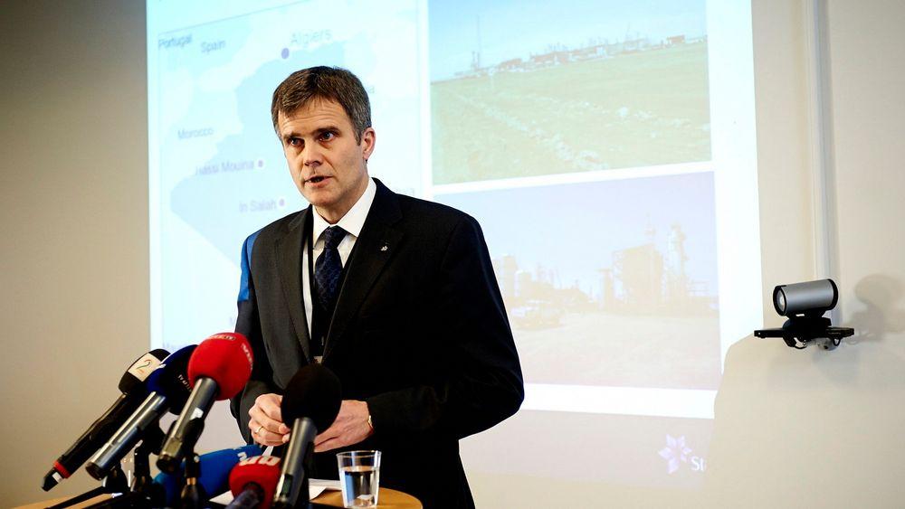 Konsernsjef i Statoil, Helge Lund, holder pressekonferanse i forbindelse med gisselaksjonen mot Statoil og BP sitt gassanlegg i Algerie torsdag.