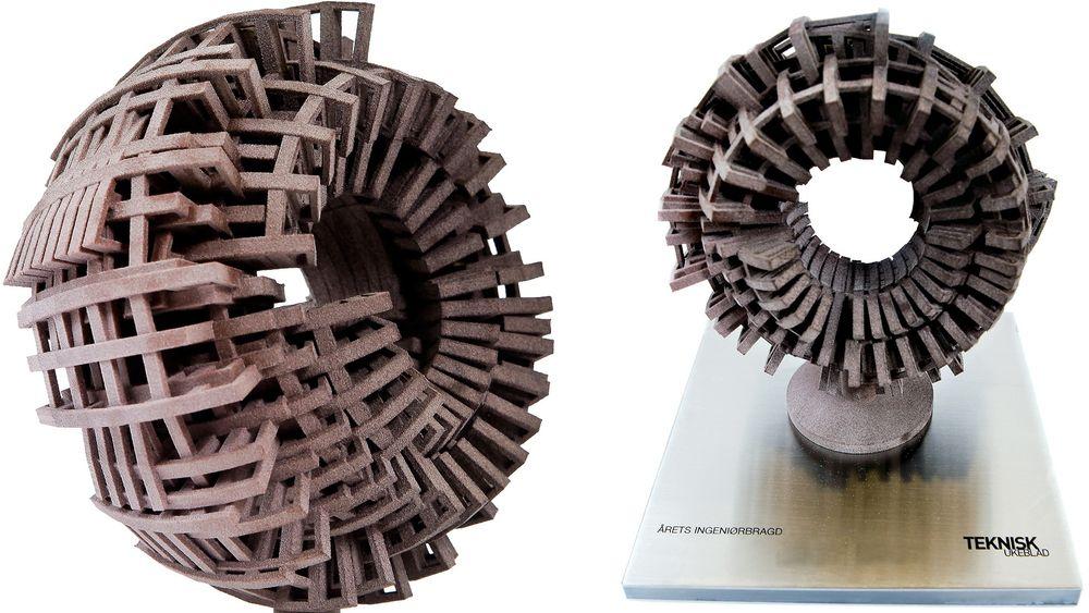 Ingeniørbragden: Hvert år deler Teknisk Ukeblad ut Ingeniørbragden. Troféet er designet av digitalkunstneren Marius Wats og 3D-printet ved Arkitekthøgskolen i Oslo. Skulle den fremstilles på en alternativ måte, ville det blitt ekstremt kostbart – om det i hele tatt ville vært mulig.