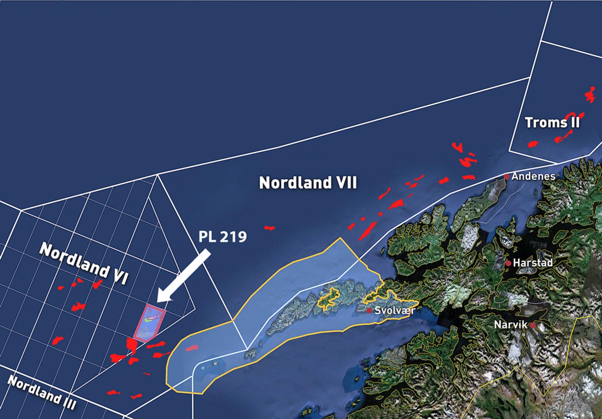 LOVENDE BLOKK: Tidligere seismikk viser et stort prospekt i blokken til Statoil. Det er ukjent hvorfor Oljedirektoratet ikke har med strukturen (markert rosa) i sin siste oversikt over prospekter utenfor Lofoten.