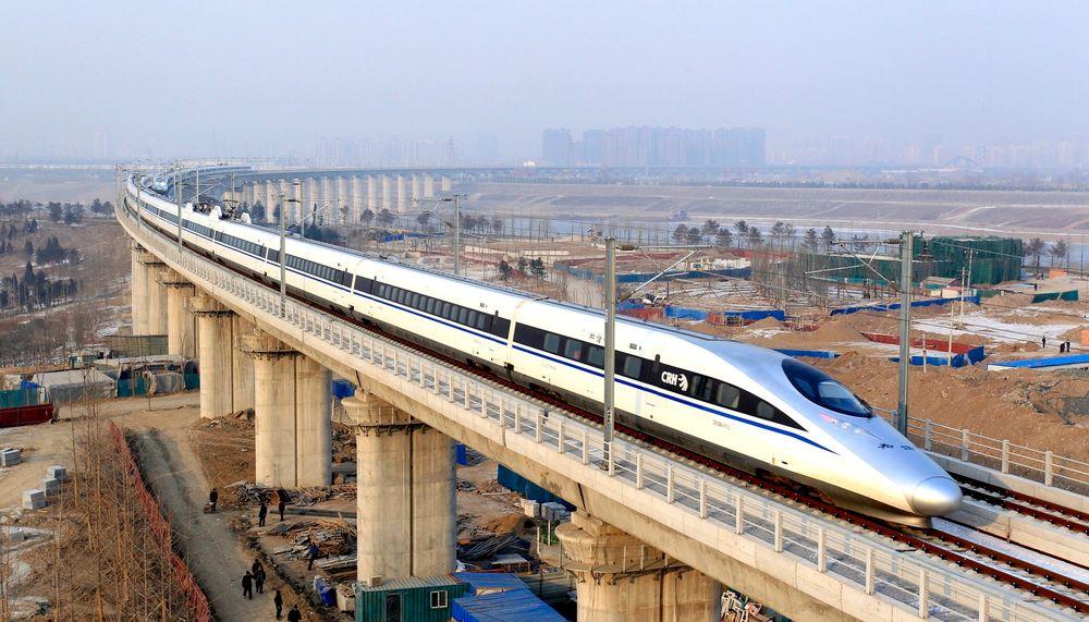 Kina åpnet en ny høyhastighetsstrekning fra Beijing til Guangzhou i sør rett før jul. Nå planlegges en strekning fra Yunnan-provinsen via Laos til Thailand og Myanmar, ifølge The New York Times.
