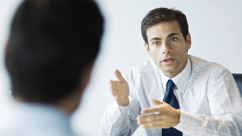 Et jobbintervju skal ikke være en monolog, men mer som en samtale, ifølge Gisle Hellsten fra Karrieresenteret i UiO.