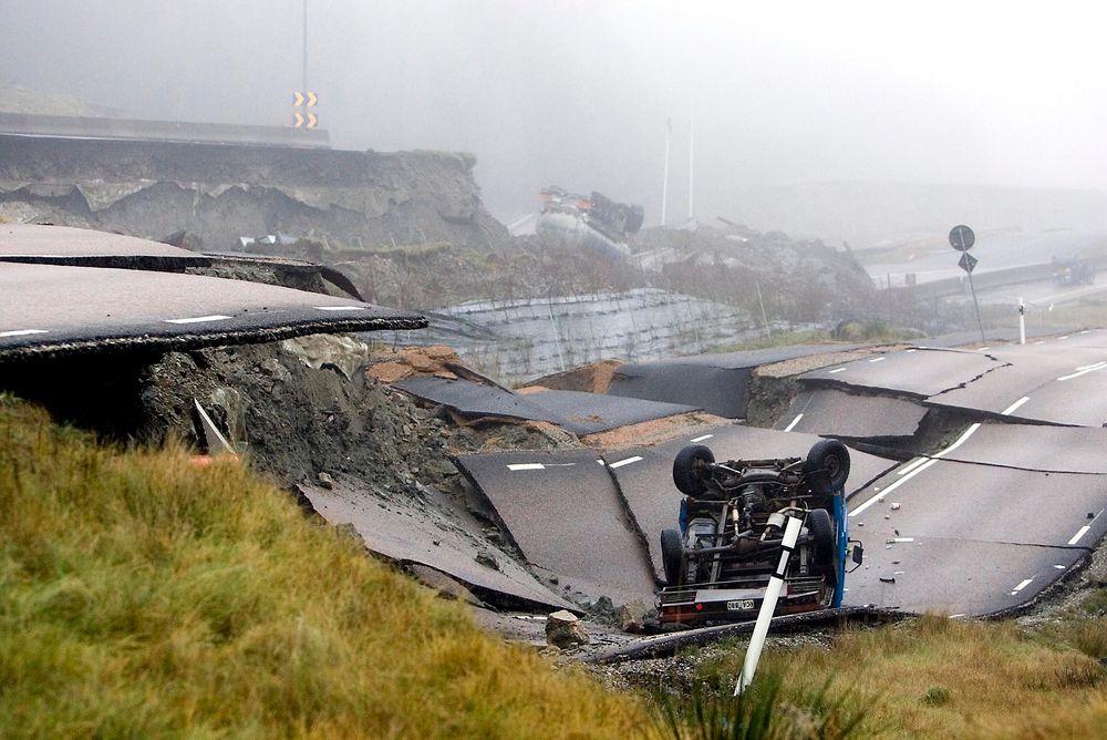 Viktig: Dagens storstilte veibygging krever stor innsats fra geoteknikere, for å sikre at det ikke skjer kvikkeleireskred som dette ved E6 ved Munkedal i Sverige i 2006.