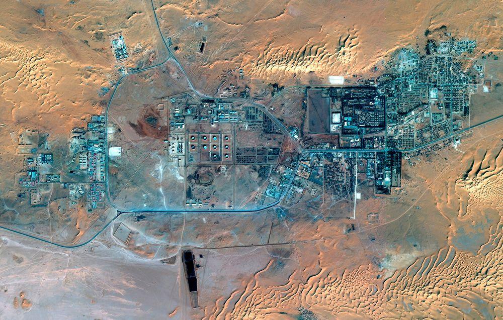 Gassanlegget i In Aménas fotografert fra en satellitt 8. januar. Ifølge olje- og energidepartementet i Algerie kan anlegget ha sluppet unna omfattende ødeleggelser, fordi det ble stengt ned da angrepet var et faktum.