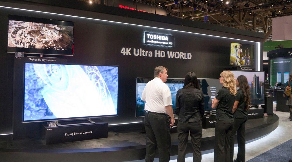 Toshiba viste flere ulike størrelser i Ultra HD. De lanserte den første 55 tommeren for et par år siden i et forsøk på å bruke den enorme oppløsningen via spesielle linser til å lage brilleløs 3D. Vi så utgave to av denne teknologien på CES.