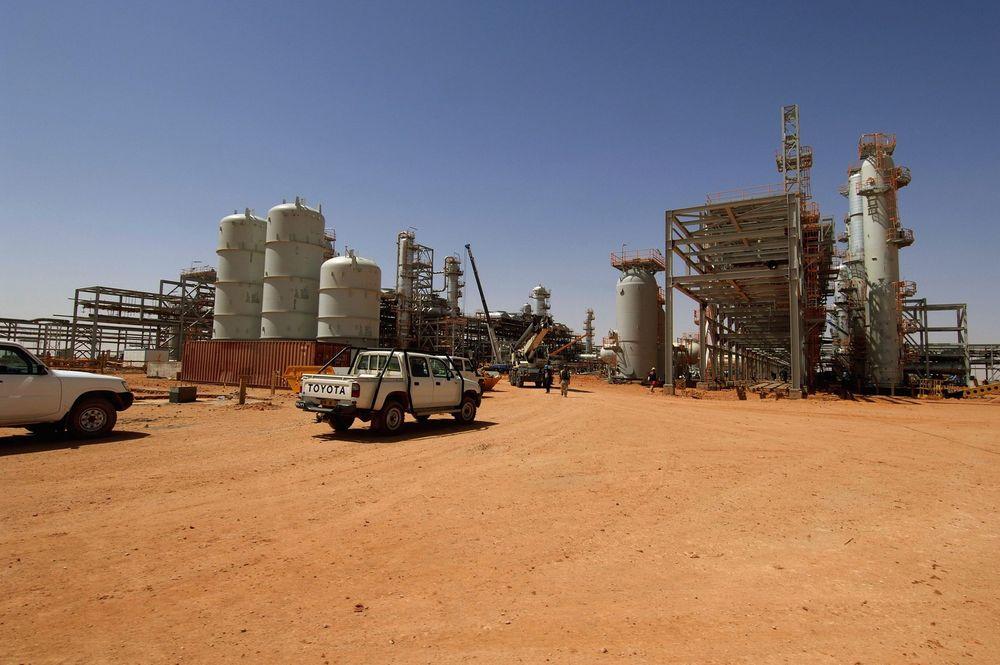Arkivbilde av gassanlegget i Amenas i Algerie, der Statoil er en av operatørene.  Flere utlendinger er bortført i et angrep på anlegget onsdag.