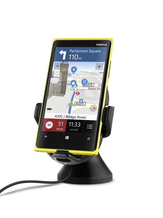 I bilen også: Nokia tilbyr en trådløs billader. Veldig smart når du trenger strøm, men ikke vil fikle med ladninger.