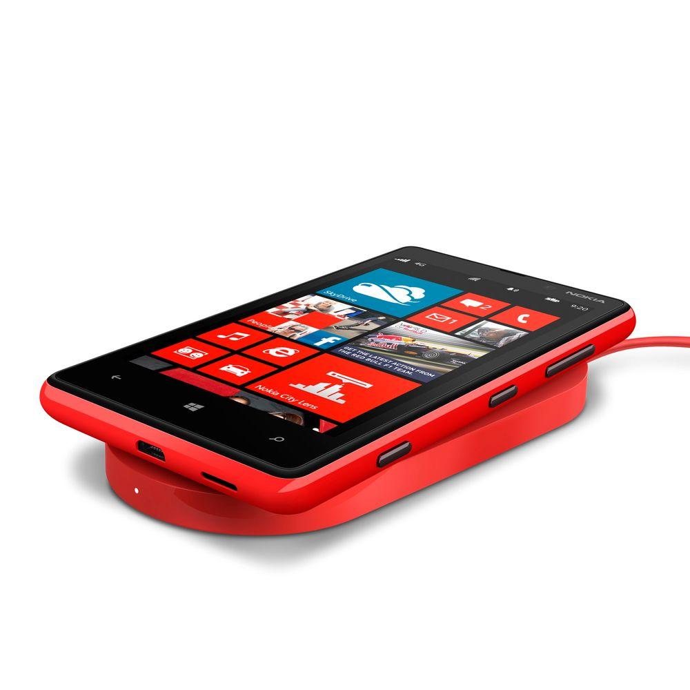 Trådløs lading: Nokia var tidlig ute med å tilby trådløs lading basert på Qi-standarden i sine Lumiatelefoner