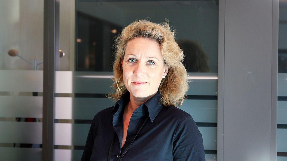 Statssekretær Cecilie Bjelland i Arbeidsdepartementet sier de sjekker med andre departementer og etater for støtteordninger til utvikling av taleteknologi på norsk.