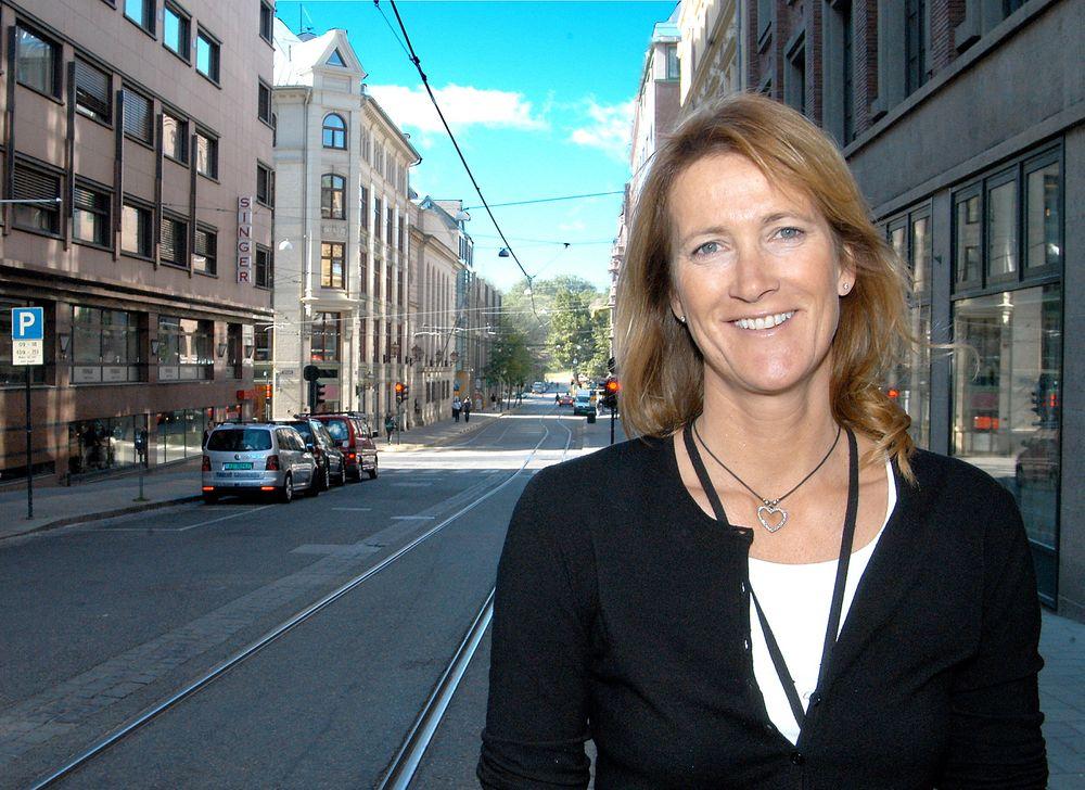 Kari Sandberg forlater direktørstolen i Trygg Trafikk til fordel for EBA, Entreprenørforeningen Bygg og Anlegg.
