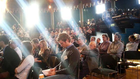 Haugane talte til studentene på Mannhullets skipsfartskonferanse på Samfundet.