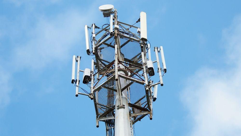Vente: Etter tre år ligger det an til at teleoperatørene må vente i opp til enda ett år før auksjonen om de attraktive frekvensene i 800-båndet kan kjøres. Foto: Colourbox