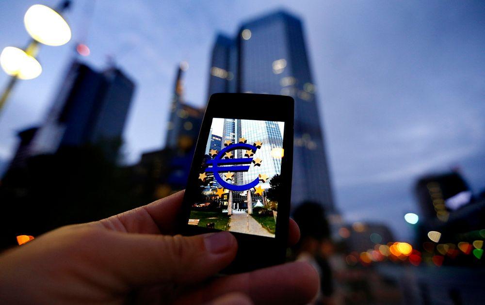 EU-kommisjonen har lagt fram forslaget til hvordan den vil skape et fellesmarked for teletjenester. Det kan bety lavere mobilregninger for forbrukerne.