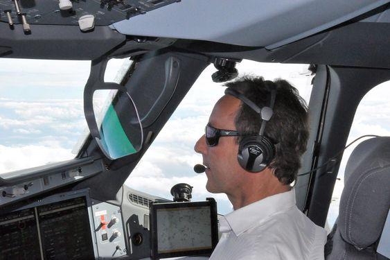 Airbus-sjef Fabrice Brégier om bord i A350 XWB MSN-1.