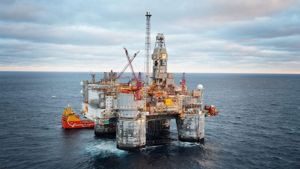 Safe og Industri Energi stevner den norske staten for å ha brukt tvungen lønnsnemnd i oljebransjen i fjor.
