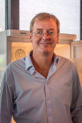 Kjøling er bra: Matvareindustrien har masse teknologi for å øke holdbarheten til matvarer, en et moderne kjøleskap er noe av det viktigste forbrukerne kan skaffe seg for at maten skal holde seg lenger mener seniorforsker i Nofima, Askild L. Holck
