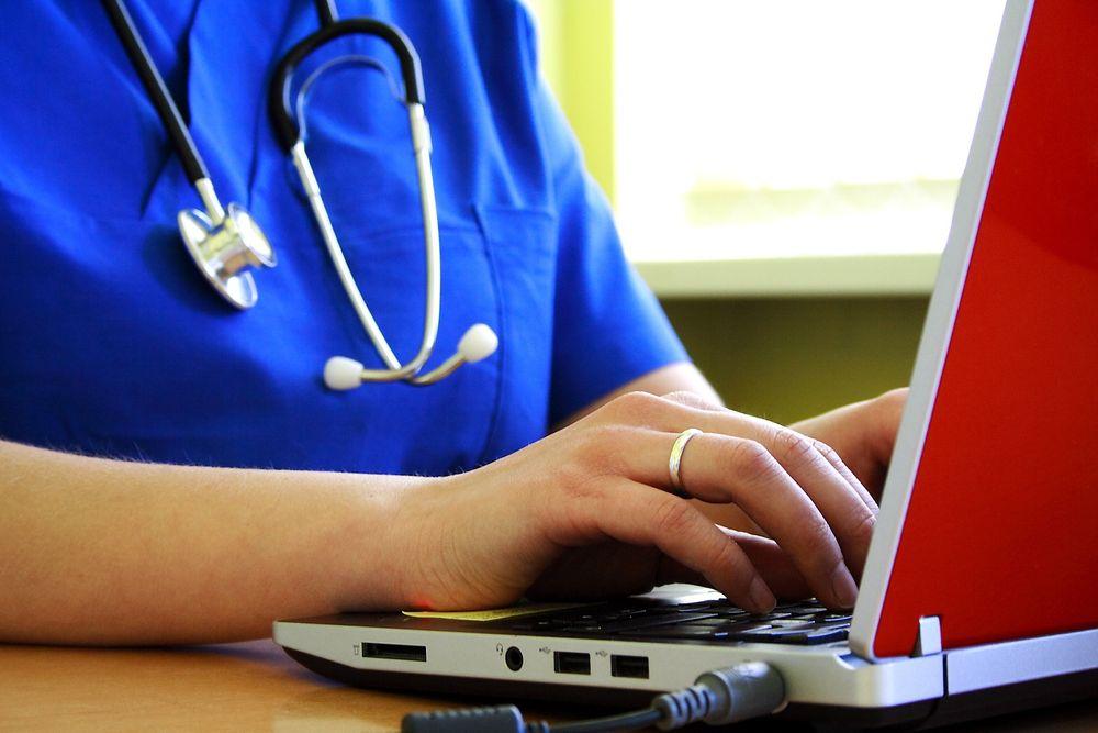 TEKNOLOGI: Lovendringer og samarbeidsmetoder blir like viktig som teknologi i arbeidet med digitale helsetjenester.