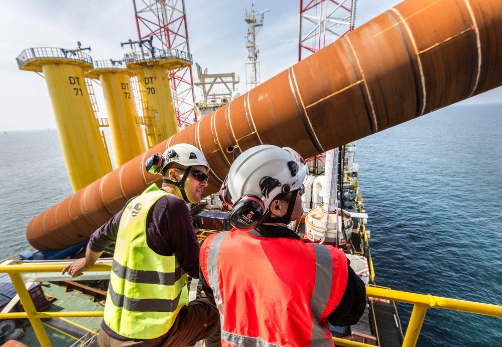 Et relevant fagbrev nummer to kan gi høyere lønn både offshore og på land.