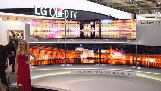Verdens første kurvede OLED: LG kommer på markedet i år med sin kurvede OLED-TV på 55 tommer.
