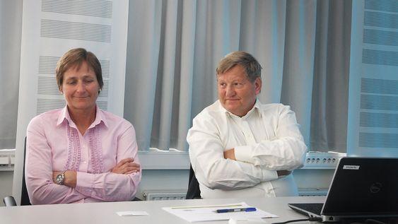 Driftssjef Kari Nielssen og letesjef Hans Christian Rønnevik.