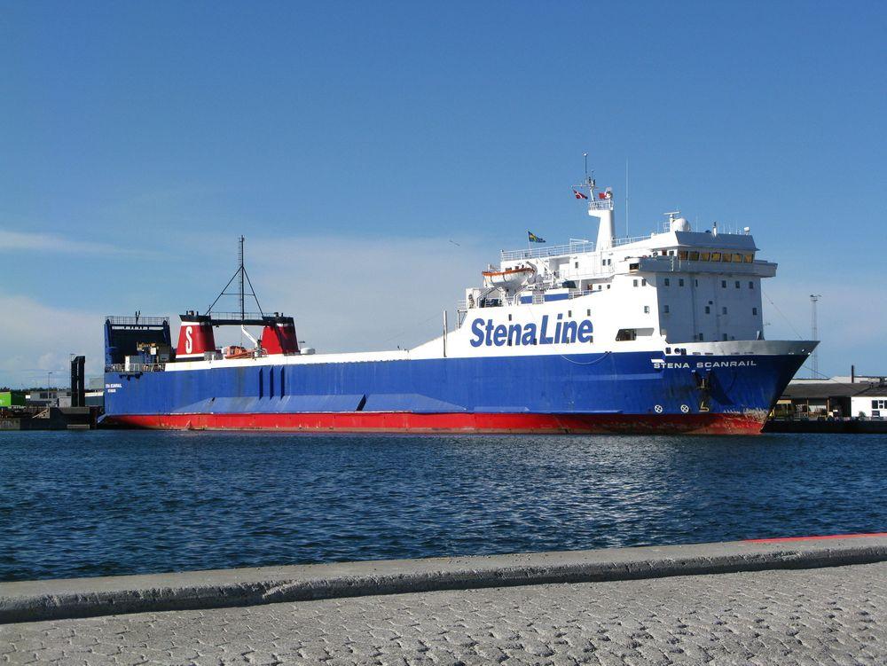 """Stena Line vil i første omgang drive hjelpemotorene på """"Stena Scanrail"""" med metanol. På sikt er planen å drive skipets hovedmotor med dette drivstoffet."""
