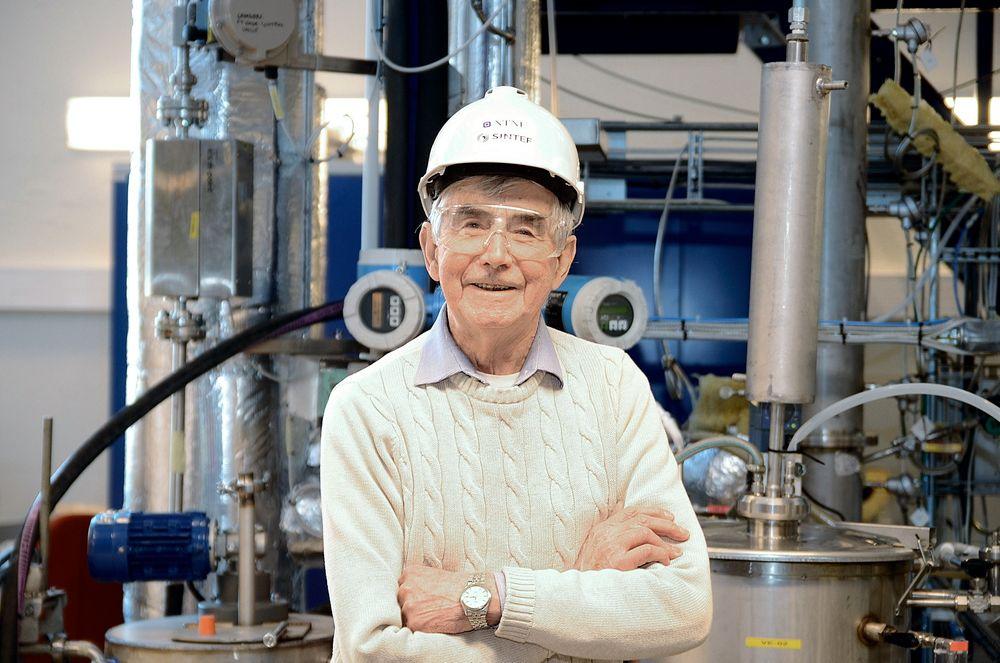 Holdt på i 20 år: Professor Olav Erga fikk Technoports pris for å ha utviklet en teknologi for fangst av svoveldioksid fra oljeraffinerier på en miljøvennlig måte. Foto: Magnus Holm