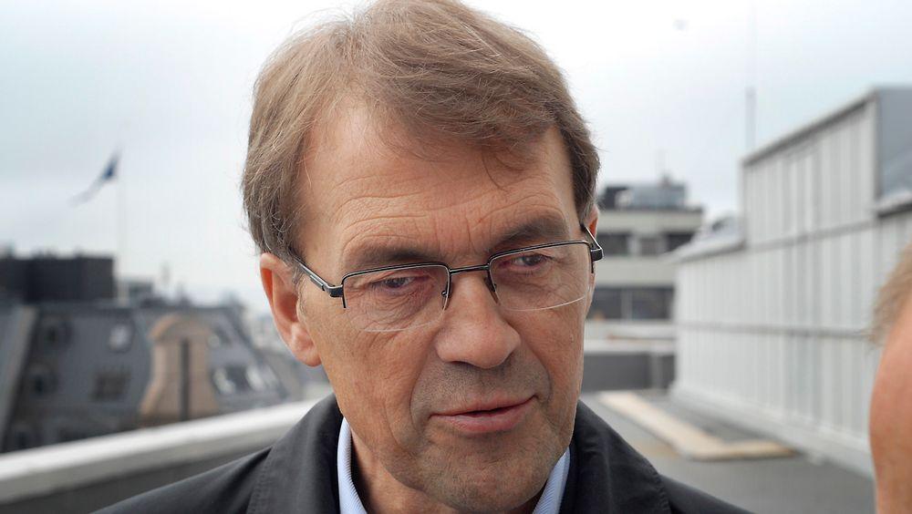 Tidligere olje- og energiminister Eivind Reiten mener Lofot-oljen bør bli liggende av kostnadshensyn.
