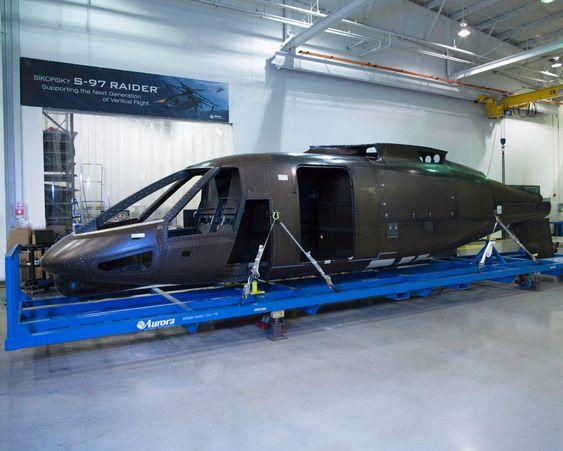 Her er det første S-97-komposittskroget som ble levert til Sikorsky for et par uker siden. Nå er byggingen av Raider-prototypen i gang.