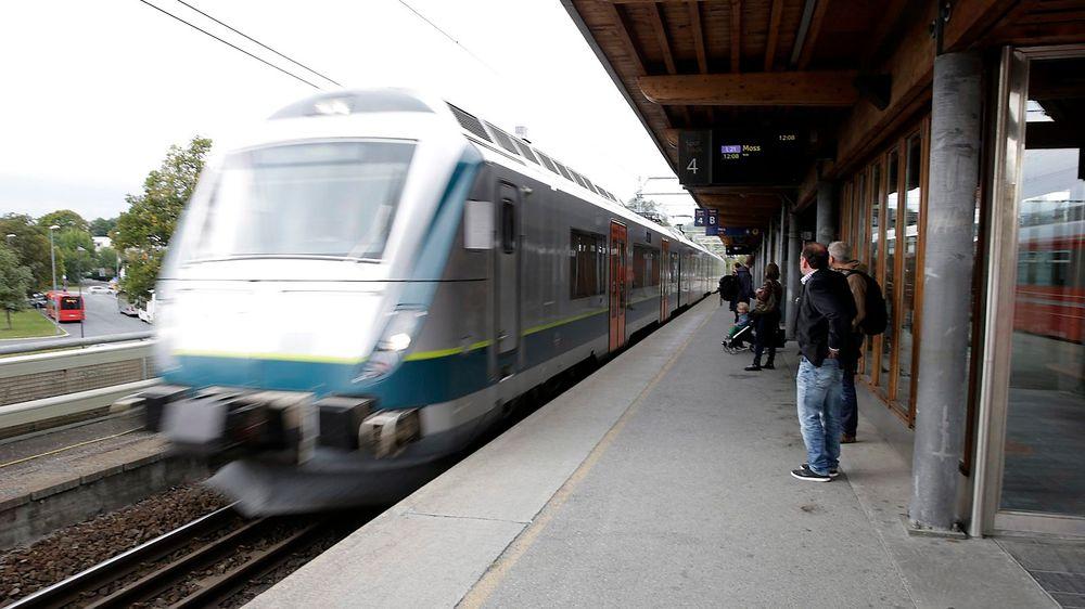 Regjeringen foreslår å bruke 10 milliarder kroner på jernbane neste år.