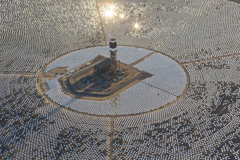 Ivanpah appears like a mirror island in the desert 65 km from Las Vegas.
