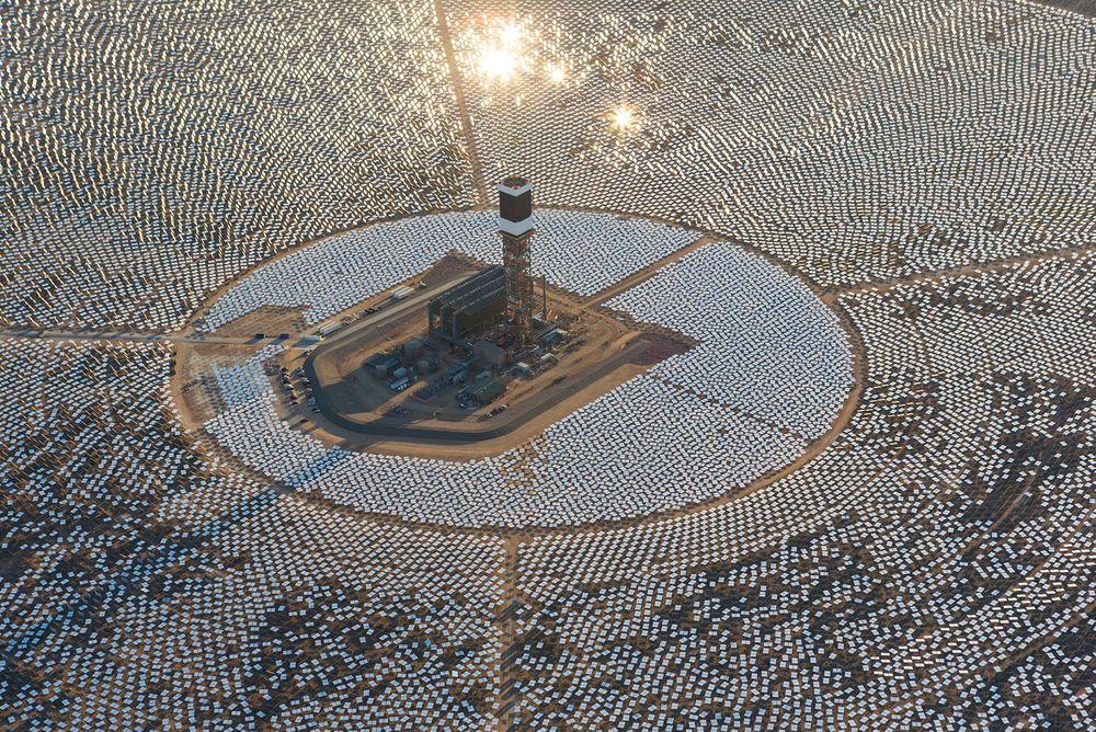 Ivanpah appears like a mirror island in the desert 65 km from Las Vegas.