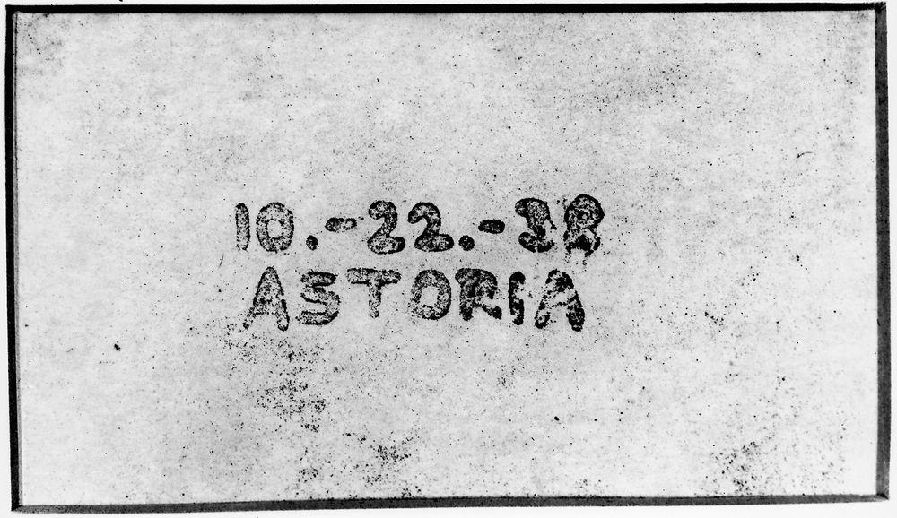 Først: Her er verdens første, i hvert fall offisielle, Xerox-kopi. Med dato og det hele. De visste nok at dette var en stor anledning.
