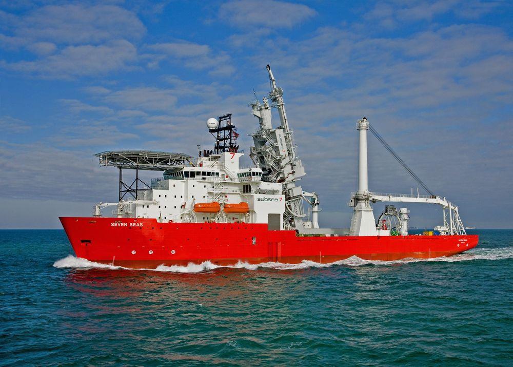 Subsea 7 har fått en kontrakt til en verdi av 3,5 milliarder kroner offshore Brasil. Her representert ved rørleggingsfartøyet Seven Seas.